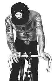 imagen de perfil de tatuaje chico caliente